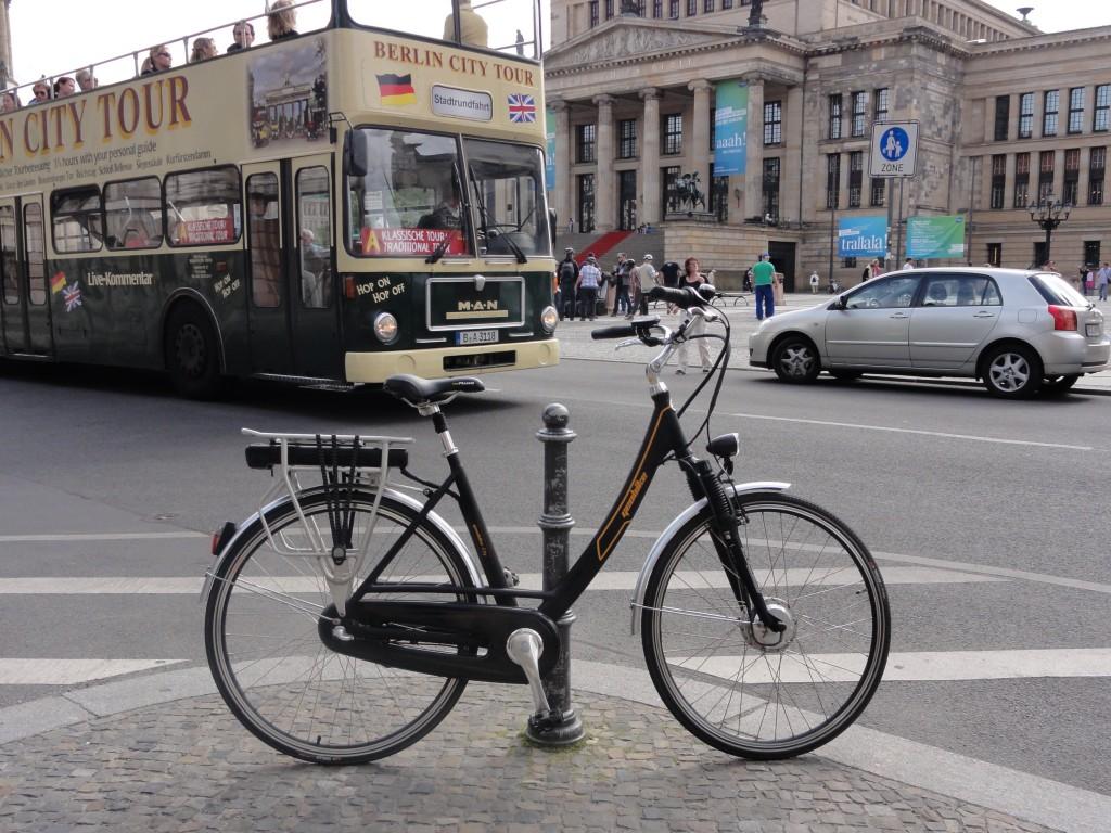 Geobike City Rower elektryczny cena przy zakupie na Firmę 34% taniej. Rowery elektryczne Kraków Salon Firmy E+design