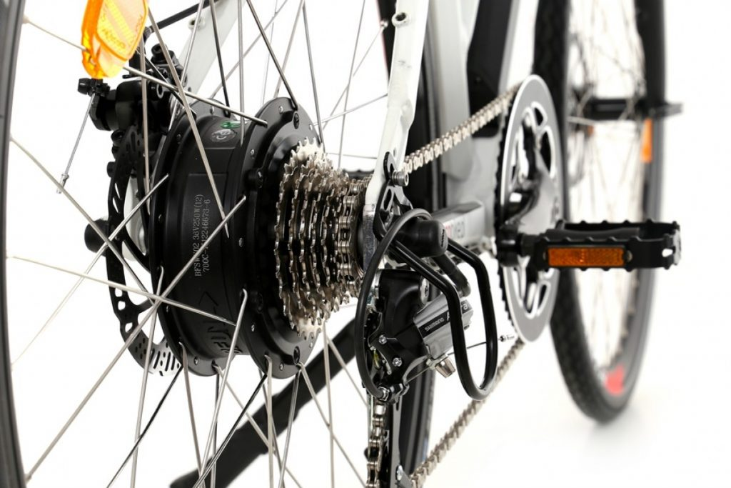 rower-ze-wspomaganiem-elektrycznym-ecobike-ui5-l-trekking-e-1200x800